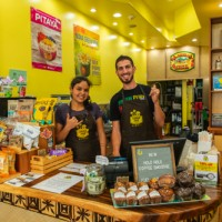 Staff Lanikai Juice hawaii Waikiki Cafe Smoothie Acia bowl6