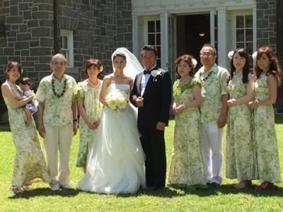 c7dde102e2889 ハワイウェディングあるある』参列客のハワイアン衣装の現地調達が ...
