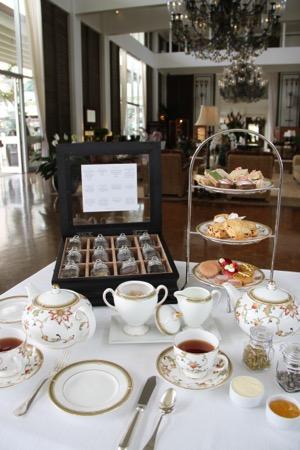 ハワイのカハラホテル ザ・ベランダのアフタヌーンティー kahara hotel afternoon tea at the velanda