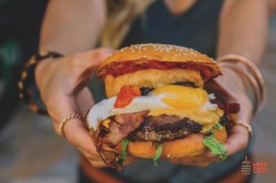 Maui Onion Burger  マウイオニオンバーガー