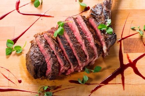 th_MP1-Stripsteak-Waikiki-Hawaii-Waikiki-Restaurant-Steak3