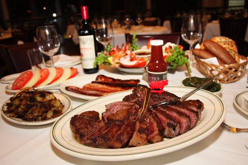 wolfgang stakehouse hawaii porterhouse steak ハワイのウルフギャングステーキハウスのステーキ