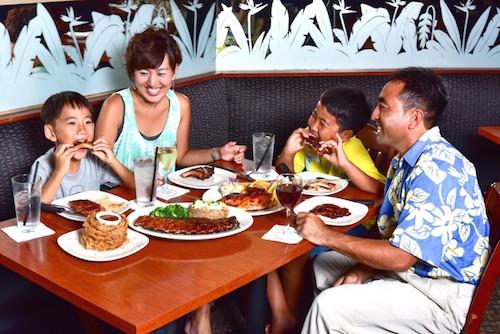 ハワイのトニーローマの家族