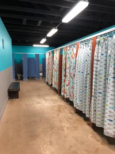ハワイのウェットアンドワイルド トイレ プール ウェットアンドワイルド ハワイ 更衣室