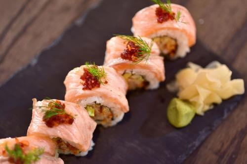 つるとんたん ハワイのつるとんたん お寿司 サーモンのお寿司 ロール寿司