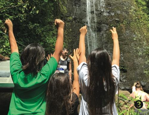ハワイ マノアの滝 つんくファミリー