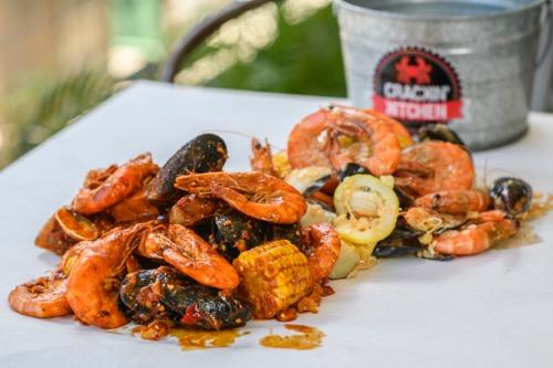 有吉の夏休み2018 クラッキンキッチン ワイキキ シーフード crackin kitchen hawaii waikiki seafood