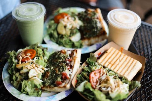 Farm Pizza.Half Grilled Veggie Panini ハワイ ノースショア カフクファーム ファームツアー ファームカフェ HAWAII NORTHSHORE KAHUKU FARM FARM TOUR FARM CAFE