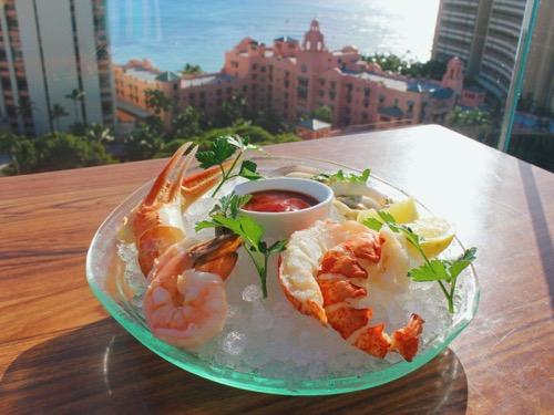 th_Sky waikiki Top of waikiki hawaii Valentine dinner1