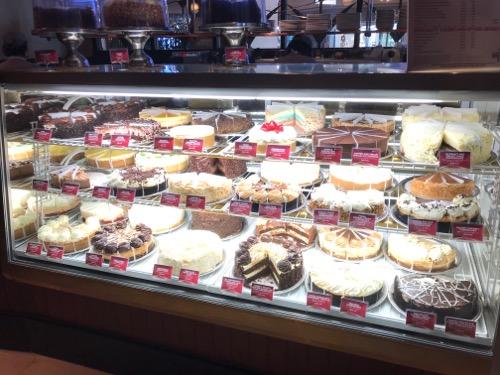 チーズケーキファクトリー ハワイ ワイキキ ロイヤルハワイアンセンター チーズケーキ