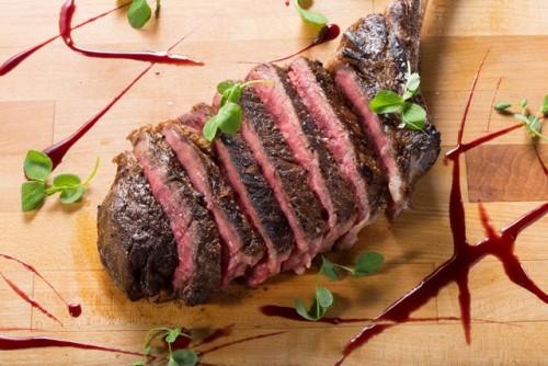 MP1-Stripsteak-Waikiki-Hawaii-Waikiki-Restaurant-Steak3-500x334