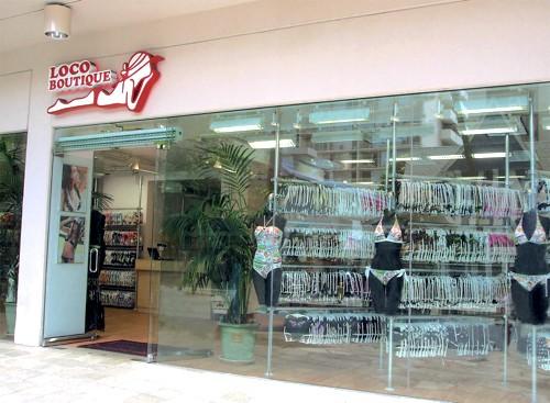 MP3_Waikiki-Store_Loco-Boutique-Hawaii-Waikiki-alamoana-center-Shoping-Swim-wear41-500x367
