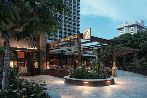 th_Stripsteak Waikiki Exterior