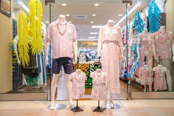 th_PG1_Lole-Hawaii-Hawaii-Waikiki-Shopping-Hawaiian-dress-Aoha-sirts5.jpg