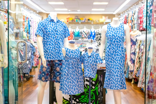th_PP1_Lole-Hawaii-Hawaii-Waikiki-Shopping-Hawaiian-dress-Aoha-sirts4