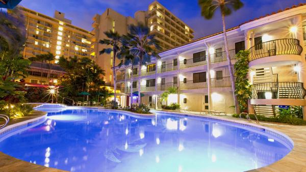 the-waikiki-sand-villa-hotel-gallerygallery_pool1_1280x7201