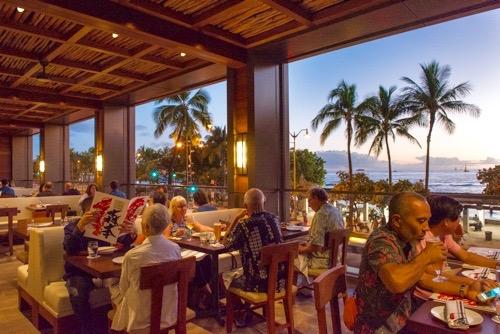 PG15Morimoto-Asia-WaikikiHawaii-Waikiki-Restaurant-bar-international-food-7 (1)