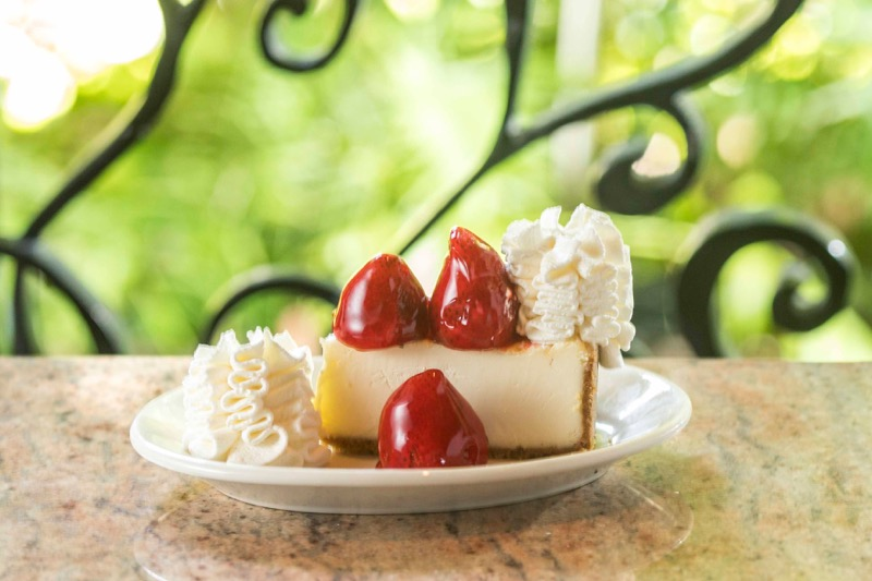 throyal hawaiian center sweets icecream cheesecake factory shave ice hawaii waikiki 5