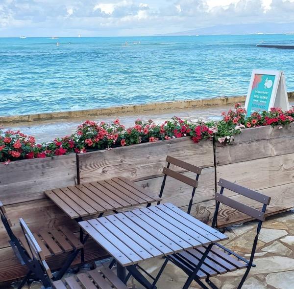 hawaii terrace table waikiki restaurant3th_