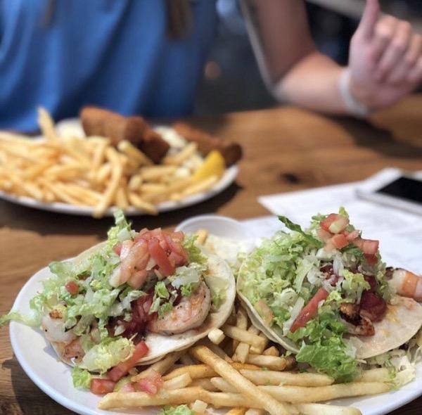 hawaii terrace table waikiki restaurant8th_