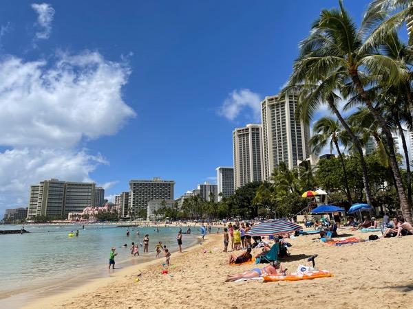 ハワイの現状 ワイキキビーチth_